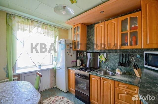 Продается трехкомнатная квартира за 2 350 000 рублей. г Омск, ул Можайского, д 1.