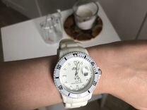 Часы s.Oliver белые