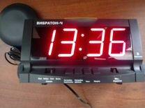 """Часы-будильник с """"вибрационной подушкой"""""""